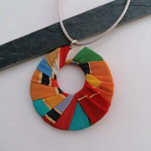 colgante multicolor